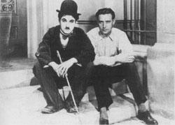 Charles Chaplin y Edgar Neville durante el rodaje de Luces en la ciudad