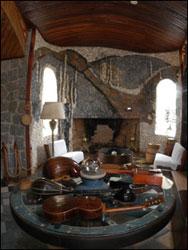 Interior de la casa de Neruda y objetos personales, en La Isla Negra.