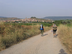 Navarrete, pueblo con aspecto de plaza fuerte medieval. Famoso por su alfareríad